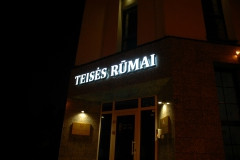 Turines-iskabos_01